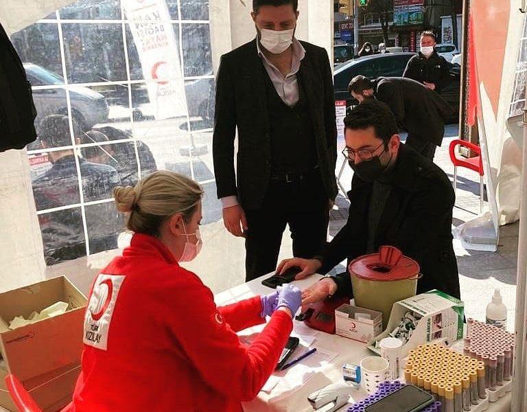 Küçükçekmece Türk Kızılayına Kan Bağışı Yaptık